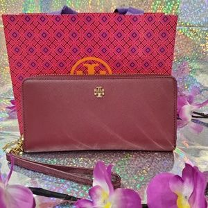 🌺 Tory Burch Large Travel Wallet 🌺